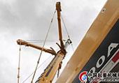 徐工起重机在5400多米海拔米拉山脉上完成大吨位吊装